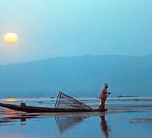 Inle Dawn. by bulljup