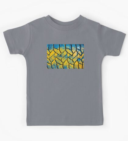 Colorful painted tire texture in detail - Grunge style multicolored background Kids Tee