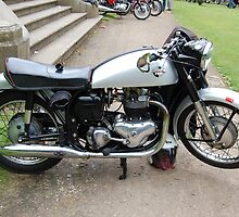 THE NORTON DOMINATOR. by ronsaunders47