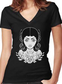 Flapper in black Women's Fitted V-Neck T-Shirt