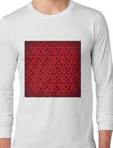 Blue stars on grunge textured bold red background Long Sleeve T-Shirt