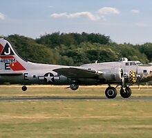 "Boeing B-17G Fortress II ""Sally B"" 44-85784 G-BEDF by Colin Smedley"