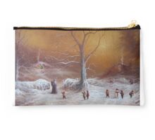Yuletide (A Wizard Bearing Gifts) Studio Pouch