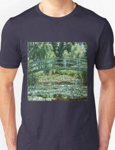 Claude Monet - The Japanese Footbridge and the Water Lily Pool, Giverny (1899)  Unisex T-Shirt