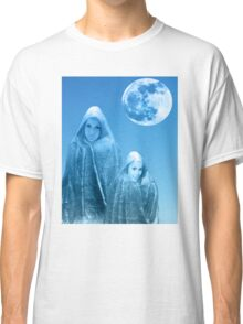 Full Moon Rising Classic T-Shirt