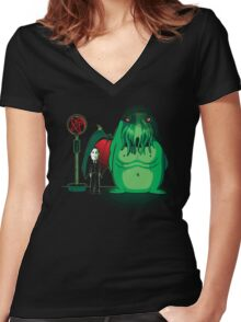 Cthulhu Waits Women's Fitted V-Neck T-Shirt