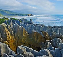 Pancake Rocks - Punakaiki by Yukondick