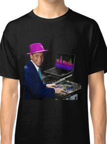 "DJ Frank Sinatra ""The Voice of the World"" Classic T-Shirt"