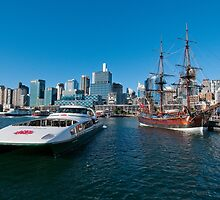 New and old, Darling Harbour, Sydney by Erik Schlogl