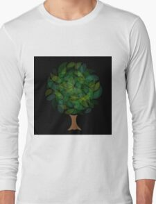 Tree with leaves in shades of green Long Sleeve T-Shirt