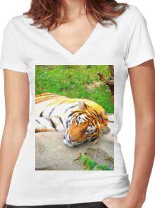 El Tigre Women's Fitted V-Neck T-Shirt