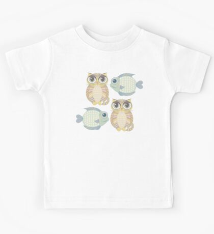 Big-Eyed Cat With Fish Blue Kids Tee