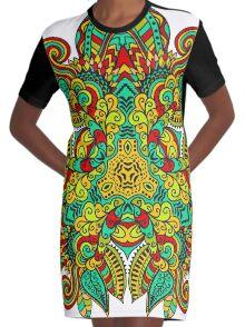Mandala en triangle, feuilles d'automne Graphic T-Shirt Dress