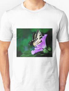 Knee-deep In Nectar... Unisex T-Shirt