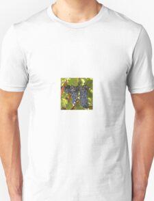 Grapes to Vino Hanson Style Unisex T-Shirt