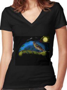 Bird in moonlight Women's Fitted V-Neck T-Shirt