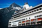 Cruise ship in Skagway by Yukondick