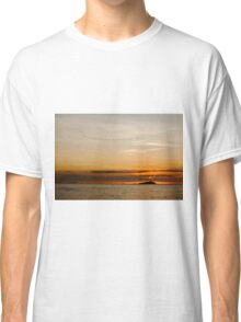 Sunset by the sea Classic T-Shirt