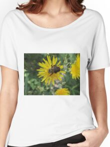 Bee on Flower Macro Women's Relaxed Fit T-Shirt