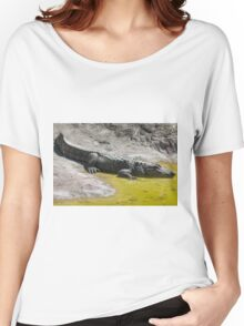 crocodile at the zoo Women's Relaxed Fit T-Shirt