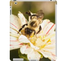 Bumble Bee Collecting Pollen iPad Case/Skin