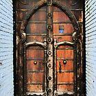 door - puerta by Bernhard Matejka