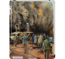 News Reporter - Metrotone News 1928 iPad Case/Skin