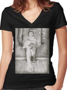 Closet Women's Fitted V-Neck T-Shirt