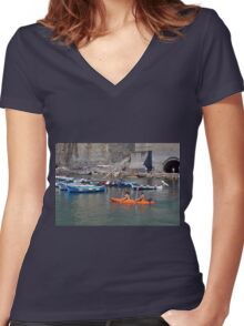 Boats on the coast of Vernazza (Vulnetia), a small town in province of La Spezia, Liguria, Italy. It's one of the lands of Cinque Terre, UNESCO World Heritage Sit Women's Fitted V-Neck T-Shirt