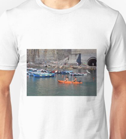 Boats on the coast of Vernazza (Vulnetia), a small town in province of La Spezia, Liguria, Italy. It's one of the lands of Cinque Terre, UNESCO World Heritage Sit Unisex T-Shirt