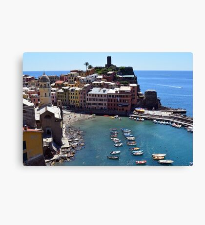 Boats on the coast of Vernazza, Vulnetia, a small town in province of La Spezia, Liguria, Italy. It is one of the lands of Cinque Terre, UNESCO World Heritage Sit Canvas Print