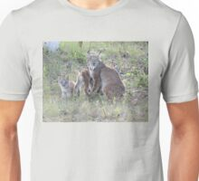 "Momma Lynx With 4 Babies...Only 3 Showing, ""Come On Children,Sit Still"" Unisex T-Shirt"