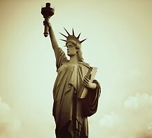 Liberty Statue by Igor Pamplona