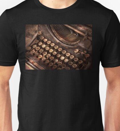 Steampunk - Typewriter - Too tuckered to type Unisex T-Shirt