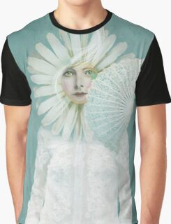 Pale Dreamer Graphic T-Shirt