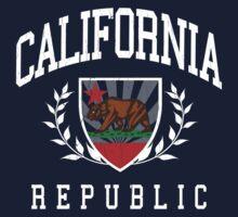 California Flag Crest (vintage distressed design) T-Shirt