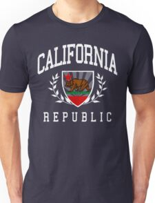 California Flag Crest (vintage distressed design) Unisex T-Shirt