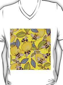 Yellow lemon and bee garden. T-Shirt