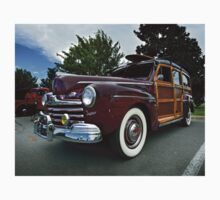 1947 Ford Deluxe Custom Woodie Kids Tee