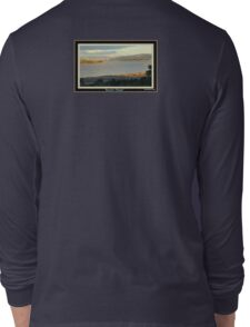 *THE TAMAR RIVER - LAUNCESTON - TASMANIA* Long Sleeve T-Shirt