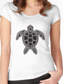 Green Sea Turtle Design - Black Women's Fitted Scoop T-Shirt