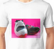 cow and a wooden shoe...Dutch art up cycled...Kuh, Holz und ein Schuh Unisex T-Shirt