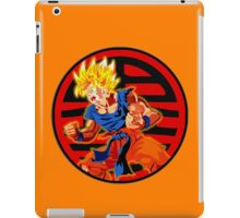 Super saiyan son goku iPad Case/Skin