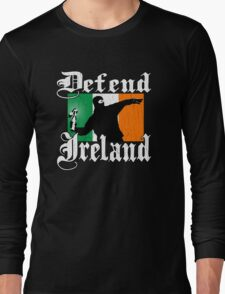 Defend Ireland (Vintage Distressed Design) Long Sleeve T-Shirt