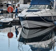 Tranquil in the harbour by awefaul