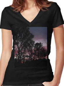 Sundown Syndrome Women's Fitted V-Neck T-Shirt