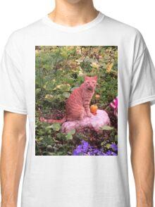 Amazon the cat Classic T-Shirt