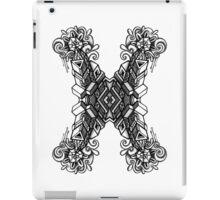 SYMMETRY - Design 010 (B/W) iPad Case/Skin