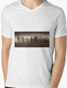 Old fence on Mt Washington Mens V-Neck T-Shirt