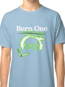 BERN ONE!! SMOKE 4 BERNIE - 2016! 410 BERNIE SANDERS Classic T-Shirt